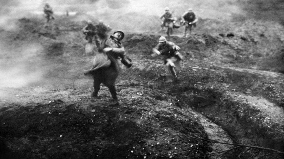 Léon Poirier photogramme extrait du film Verdun, Visions d'histoire, 1928 Cinémathèque de Toulouse