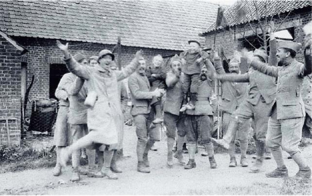 Hoorelecke – l'Armistice. Archives départementales des Côtes-d'Armor, collection Yves Troadec, 63 Fi